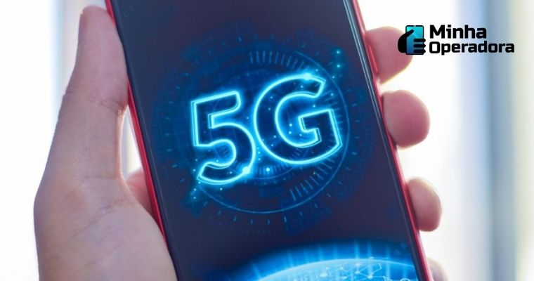 Celular com a inscrição do 5G na tela.
