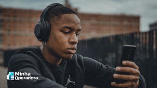 Rádio FM em celulares passa a ser obrigatório no Brasil