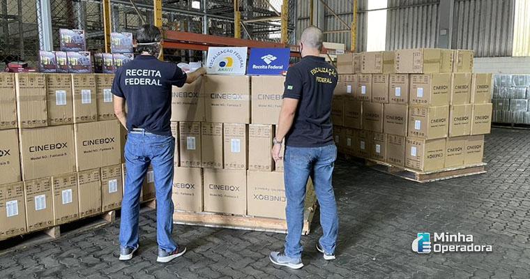 Aparelhos de TV Box piratas apreendidos no Porto de Santos. Foto: Divulgação ABTA