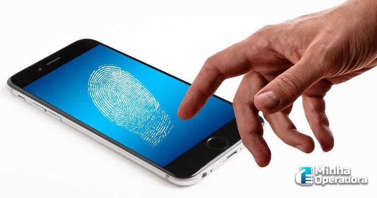 Procon-SP convoca Claro, TIM e Vivo para discutir segurança em celulares