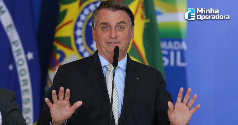 Após Bolsonaro tentar barrar internet para alunos, deputados se revoltam