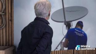 Ator da Globo estrela nova campanha da HughesNet