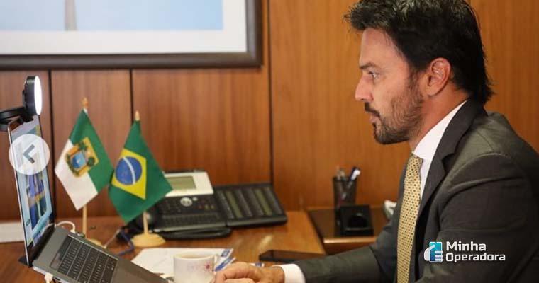 Imagem: Fábio Faria em transmissão - Divulgação Instagram