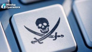 Funcionária é demitida por promover aplicativo pirata para clientes