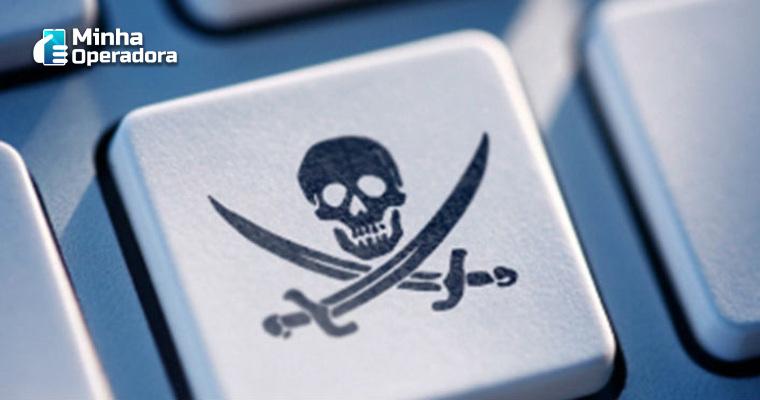 Funcionária é demitida por promover plataforma pirata para clientes