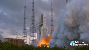 Novo satélite da Claro é colocado com sucesso em órbita