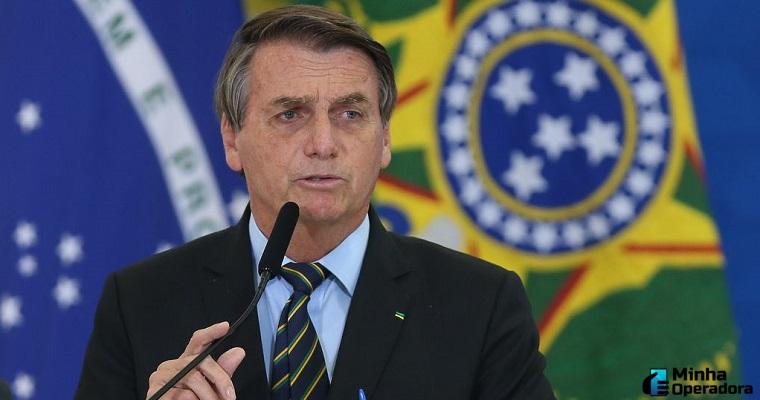 Bolsonaro edita decreto de banda larga sobre operadoras